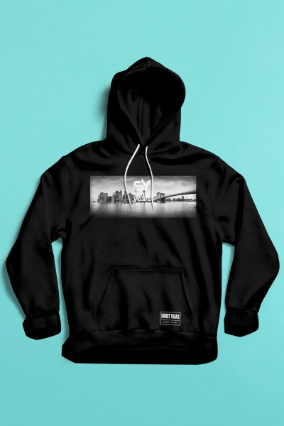 felpa con cappuccio Sweet Years da uomo con grande stampa in bianco e nero dello skyline di New York