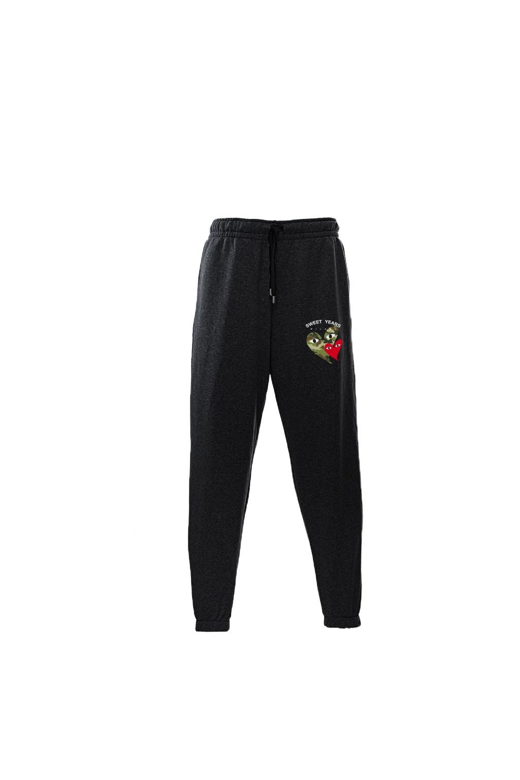 Pantaloni in felpa di cotone nero con interno garzato Sweet Years Milano con stampa cuori.