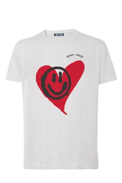 T-shirt in cotone bianco Sweet Years con grande stampa con cuore e smile sul davanti.