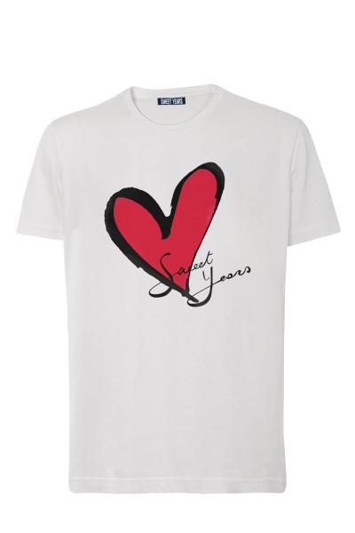 T-shirt in cotone bianco Sweet Years con grande stampa con cuore classico sul davanti.