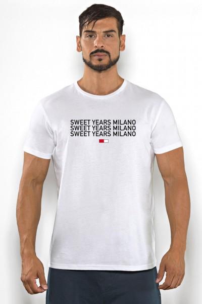 Acquista subito questa t-shirt Sweet Years da uomo in cotone girocollo tinta unita con scritta stampata sul petto.