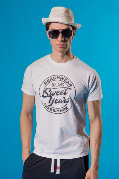 T-shirt in cotone con grande stampa centrale in contrasto Sweet Years.