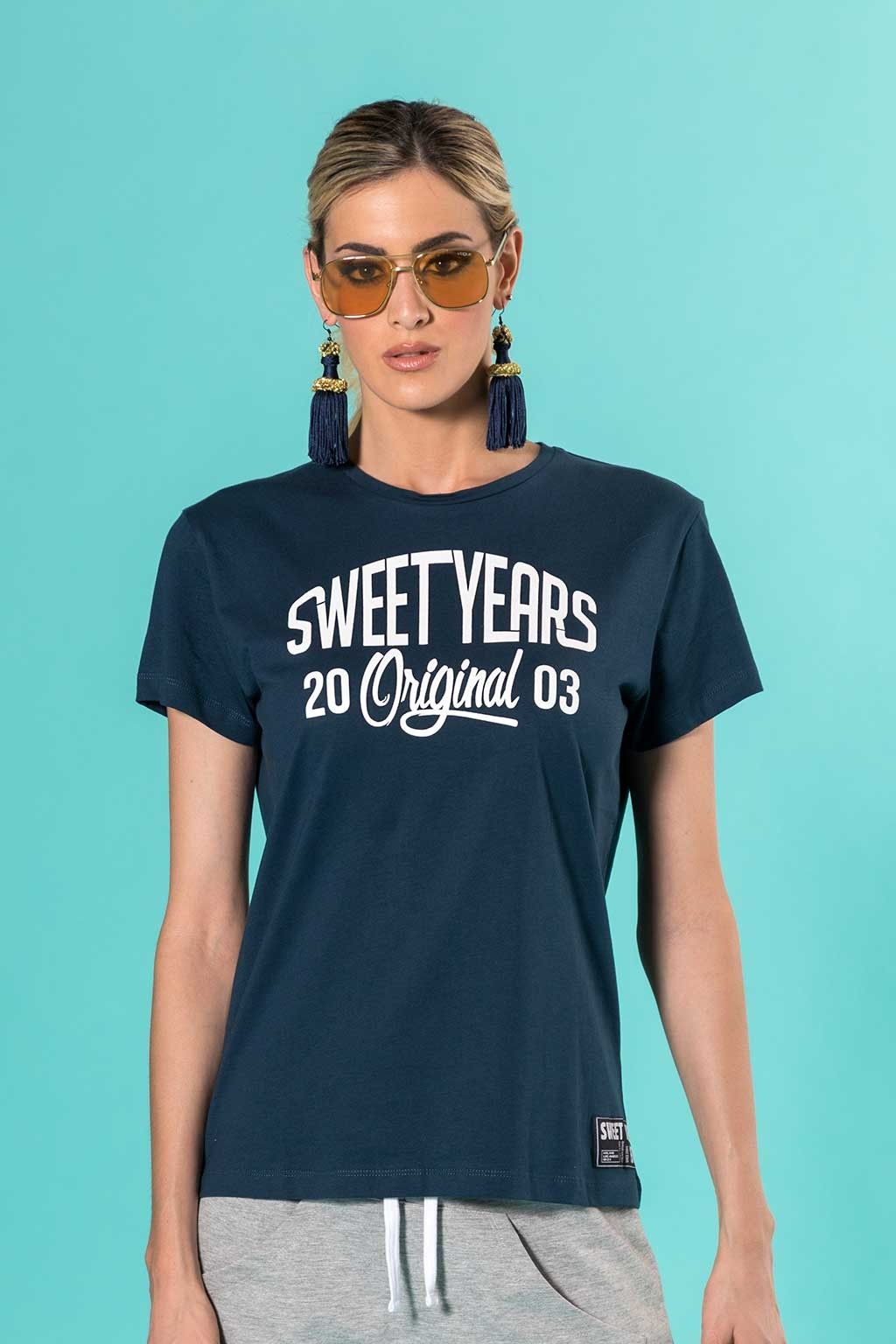 T-shirt donna in cotone con grande stampa centrale in contrasto Sweet Years