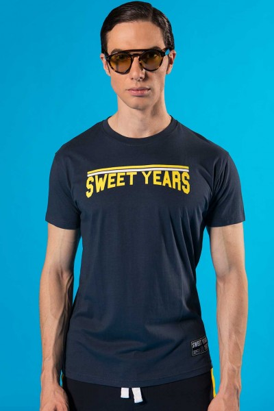 T-shirt in cotone da uomo con stampa in contrasto Sweet Years